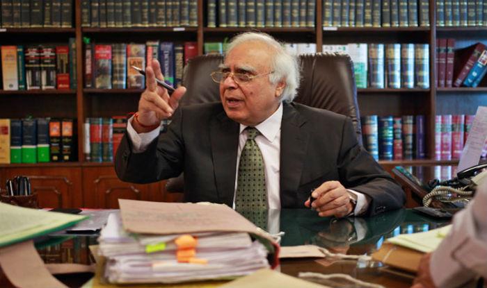 Kapil Sibal, Narendra Modi