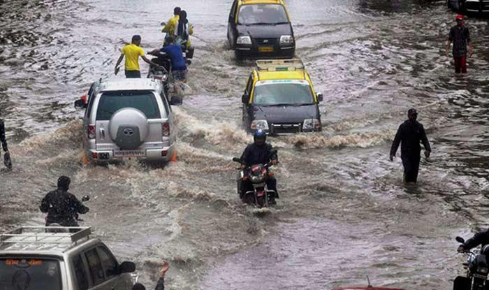 Mumbai Rains: Pre-monsoon Showers Disrupt Local Trains, IMD Issues