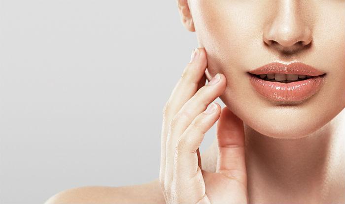 Minimizes enlarged pores