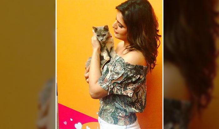 Zarine Khan with her cat Softy