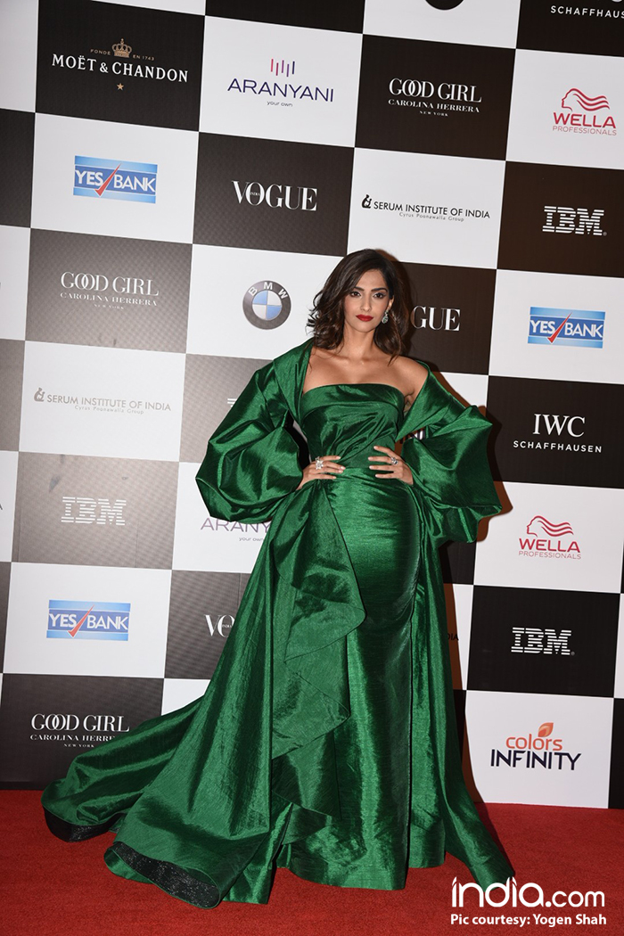 Sonam looks like a diva in Emerald at the Vogue Women Of The Year Awards