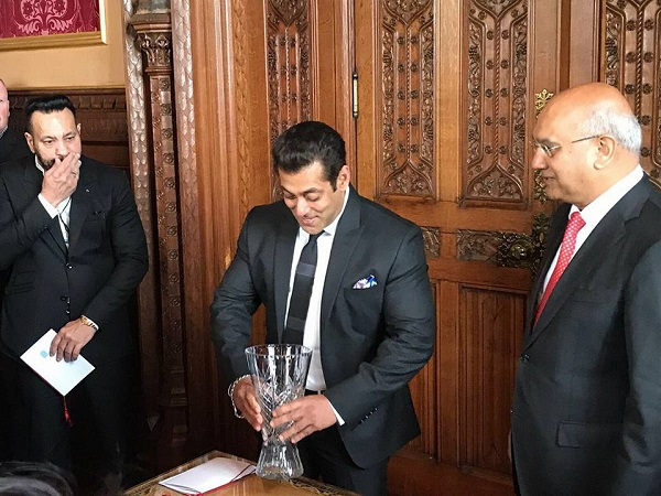 Salman Khan being awarded by the UK House of Commons