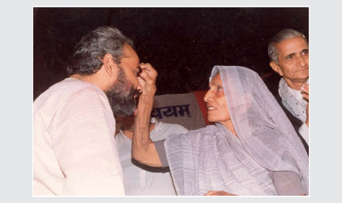 Known for his utmost respect for his mother, in this picture we see him receiving blessing from her.