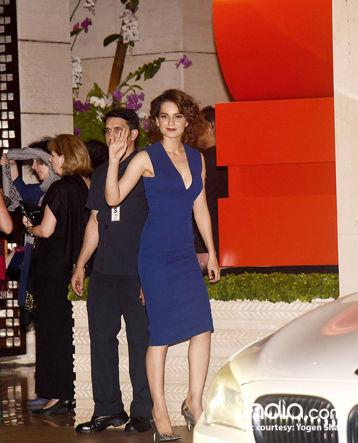 Kangana looks gorgeous in a blue body-con dress
