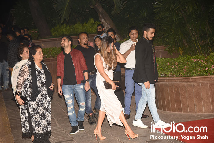 Gauri-Khan,-sanjay-kapoor-etc-at-halloween-party-at-taj-lands-end-on-27-10-2017,-pics-yogen-shah--(5)