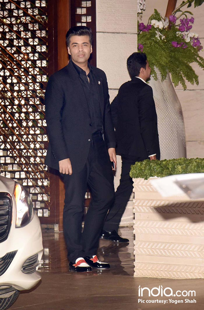 Karan Johar looks dapper in black