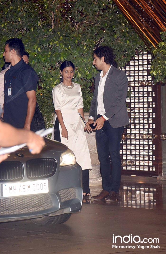 Konkona Sen Sharma spotted with Ayan Mukerji at the bash
