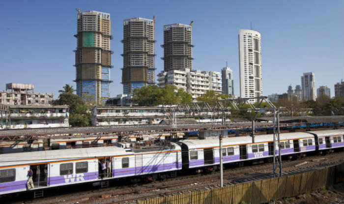 Mumbai Local Train Status Updates: Trains at Mahim Railway Station, Western Line, Running Late by 15-20 Minutes Due to Techinical Snag