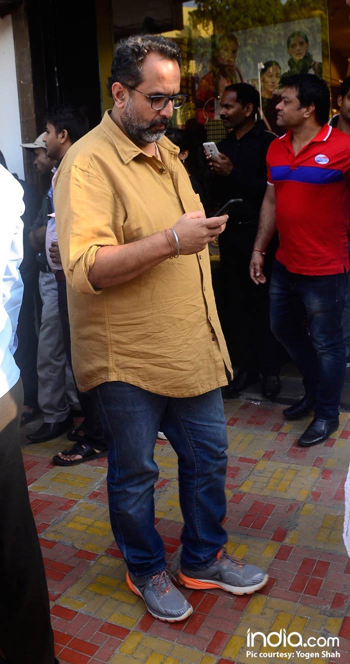 Shahrukh-Khan-And-Katrina-Kaif-Spotted-At-Bastion-Hotel-Bandra--(12)