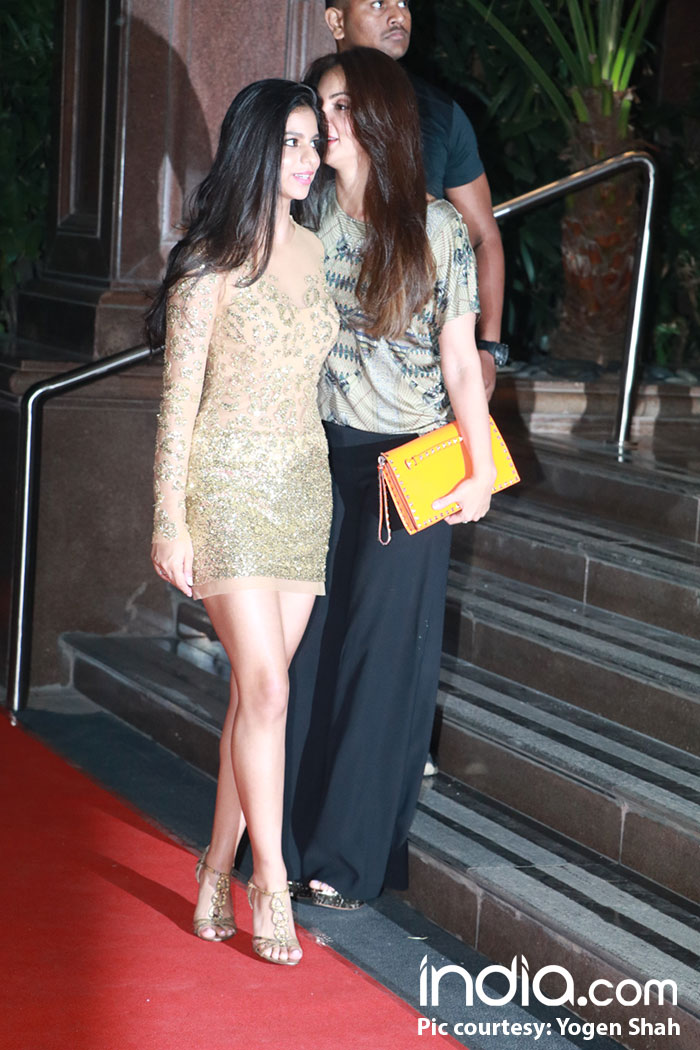 Sussanne-Khan-Malaika-arora-etc-at-halloween-party-at-taj-lands-end-on-27-10-2017,-pics-yogen-shah-----(16)