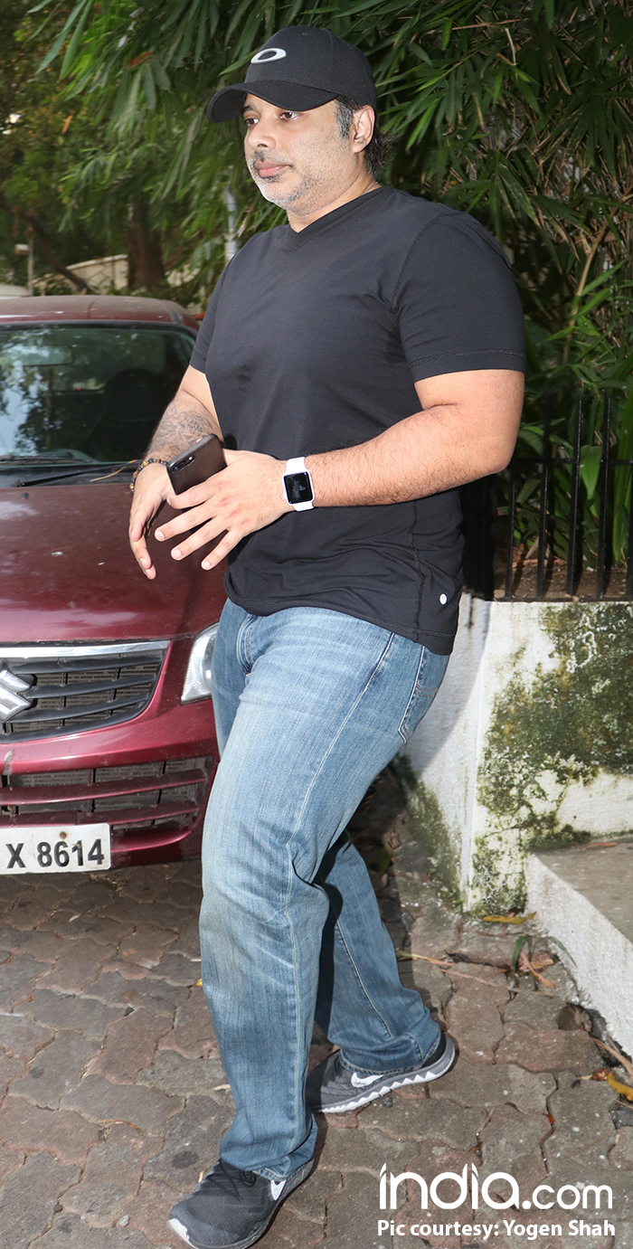 Uday-Chopra-spotted-at-Emraan-Hashmi-house-(1)