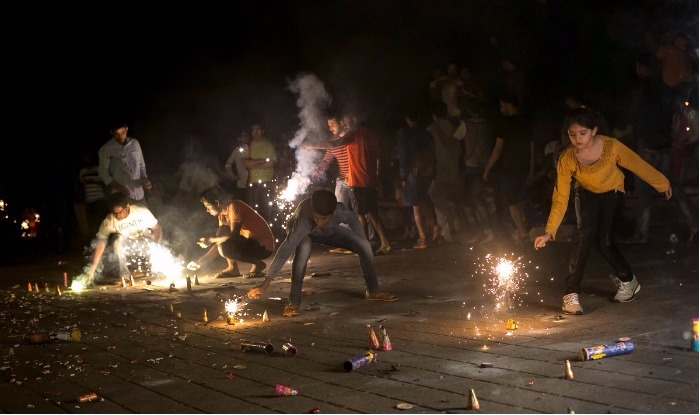 Supreme Court Refuses to Modify Firecracker Ban in Delhi NCR, Says Will Ascertain After Diwali if it Has Affected Pollution | India.com