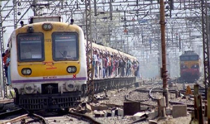 Mumbai: 9 Coaches of Fast Train Overshoots Platform at Bhayander Station