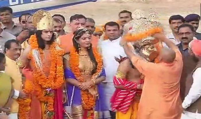 Adityanath showers Rs 133 crore bounties on Ayodhya