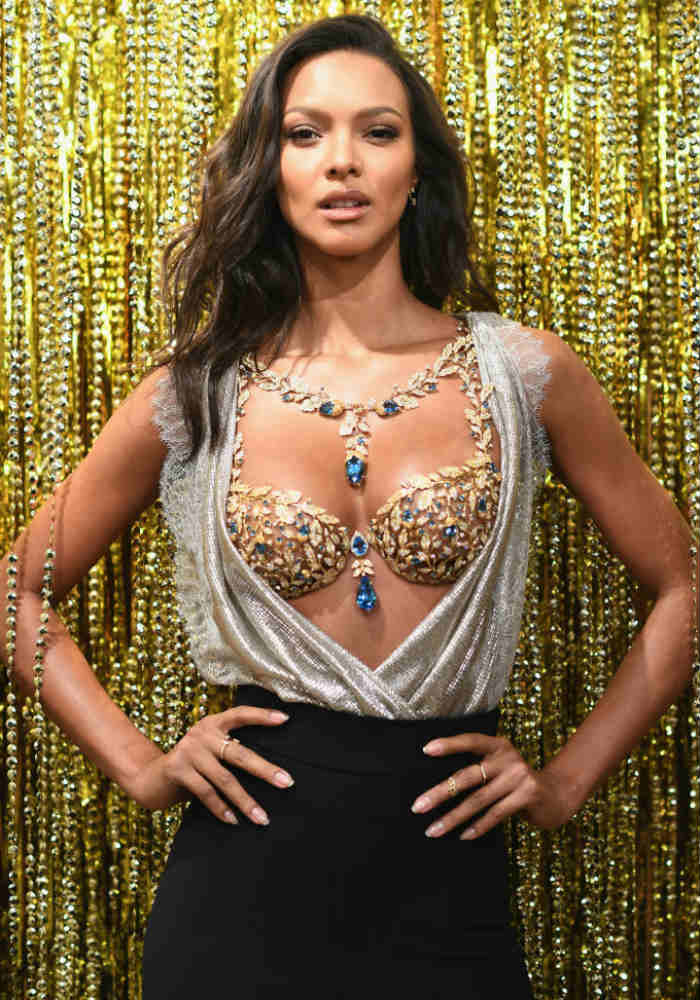 42e80eacac ... at Victoria s Secret Fashion Show 2016!). Brazilian Model Lais Ribeiro  Will Be Wearing 600-Carat Fantasy Bra Worth  2 Million USD