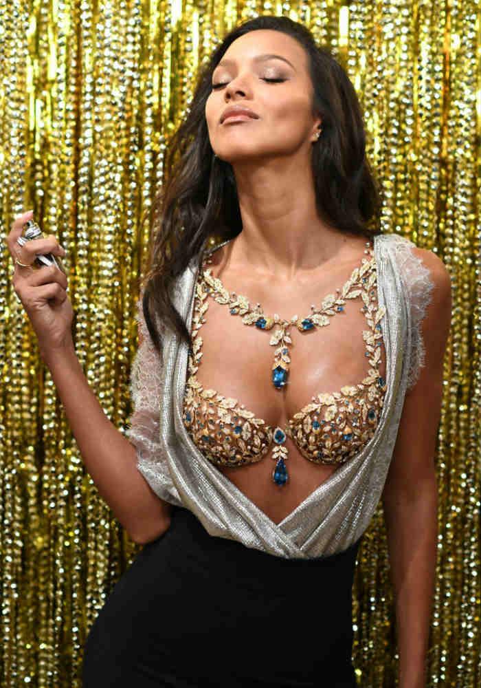ef691eaf0e Brazilian Model Lais Ribeiro Will Be Wearing 600-Carat Fantasy Bra Worth  2  Million USD