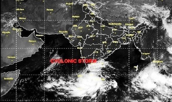 Cyclone Ockhi Heavy Rainfall Strong Winds To Hit Kerala