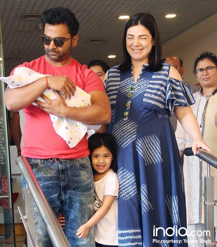 Urvashi Sharma Husband Naqaab Actress Urvashi...