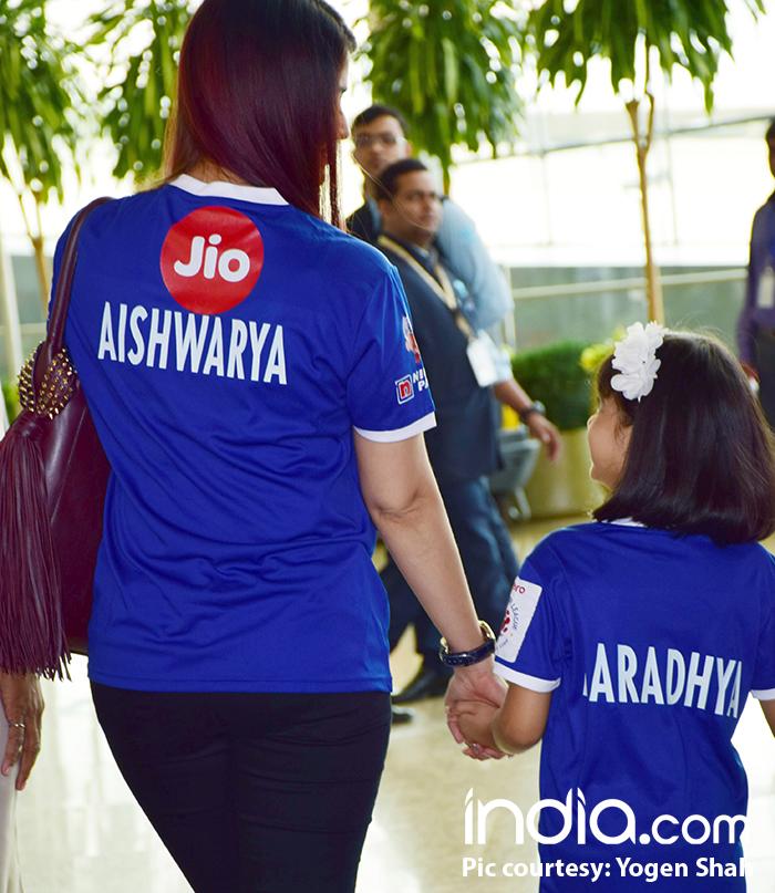 Aishwarya-Rai-with-aaradhya-(12)
