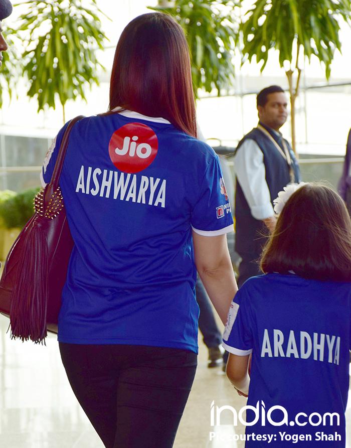 Aishwarya-Rai-with-aaradhya-(13)