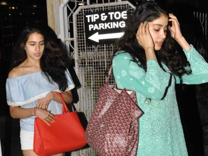 Sara Ali Khan And Janhvi Kapoor Are Being Manipulated To Play Against Each Other Exclusive India Com