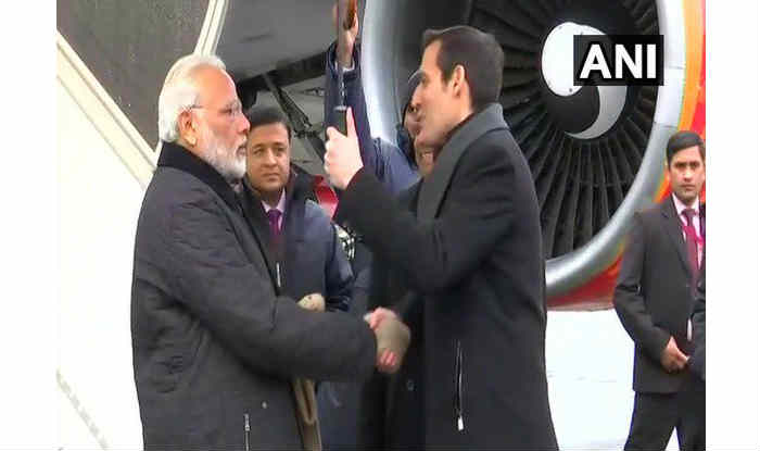 Prime minister narendra modi arrives in davos to deliver - Prime minister of india office address ...