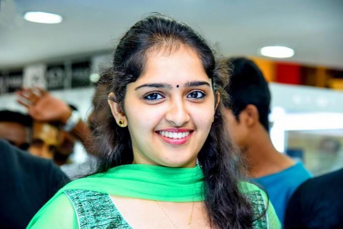 Tamil girl groping in train - 3 1