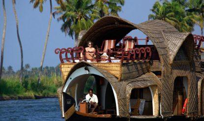 केरल का अलाप्पुझा बोट टूरिज्म के लिए दुनियाभर में जाना जाता है. (फोटो साभारः केरलटूरिज्म)
