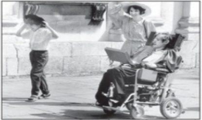 हॉकिंग अपने पुत्र टिम और पत्नी जेन के साथ. (फोटो साभारःमहेश शर्मा लिखित पुस्तक 'स्टीफन हॉकिंग')