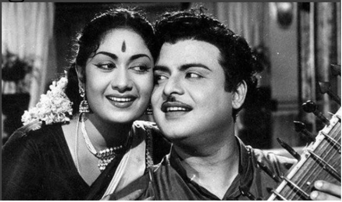Dulquer Salmaan As Gemini Ganesan First Look From Mahanati: Mahanati Look Leaked: Dulquer Salmaan