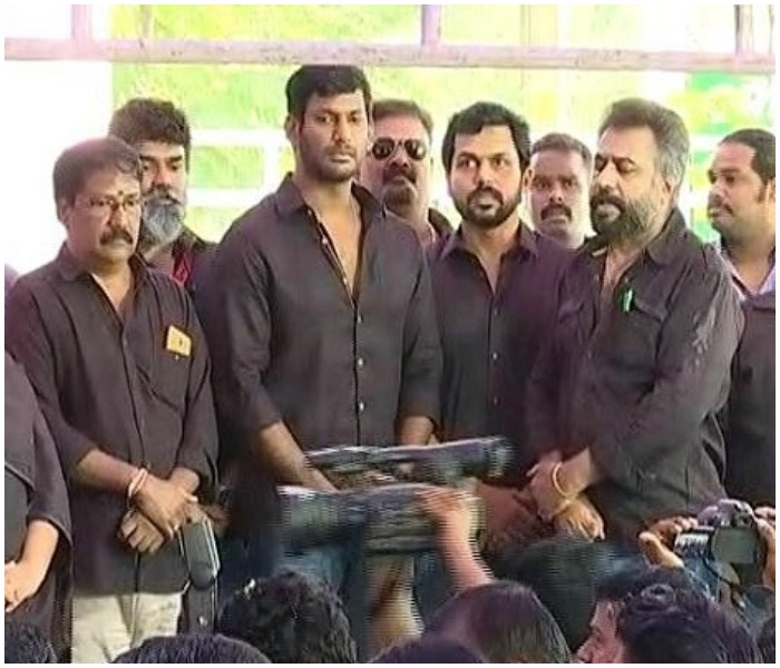 Cauvery Controversy: Kamal Haasan and Rajinikanth & Other Actors Protested