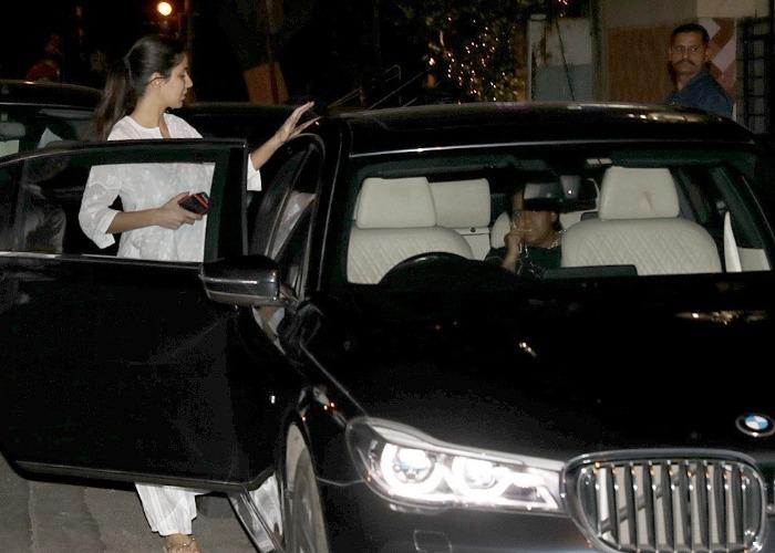 Katrina Kaif spotted with Arpita Khan last night