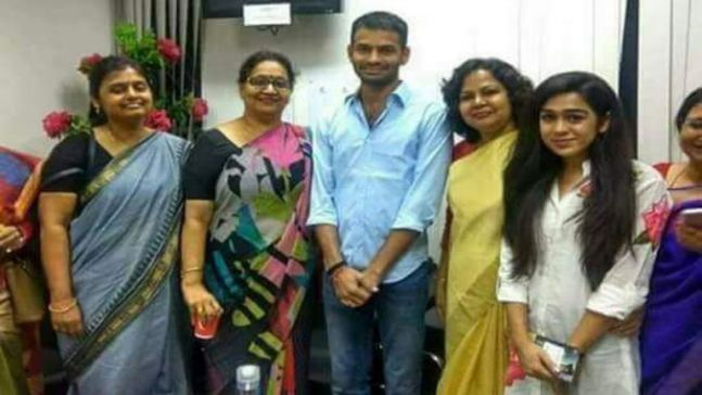 Tej Pratap and Aishwarya Rai with relatives