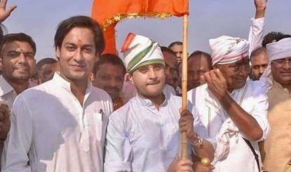 दिग्विजय सिंह की नर्मदा यात्रा में भी ज्योतिरादित्य सिंधिया शामिल हुए थे.