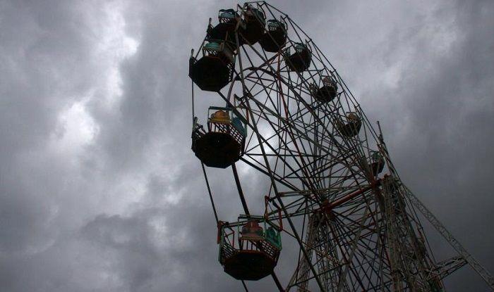 Andhra Pradesh: 10-year-old Girl Dies After Giant Ferris ...