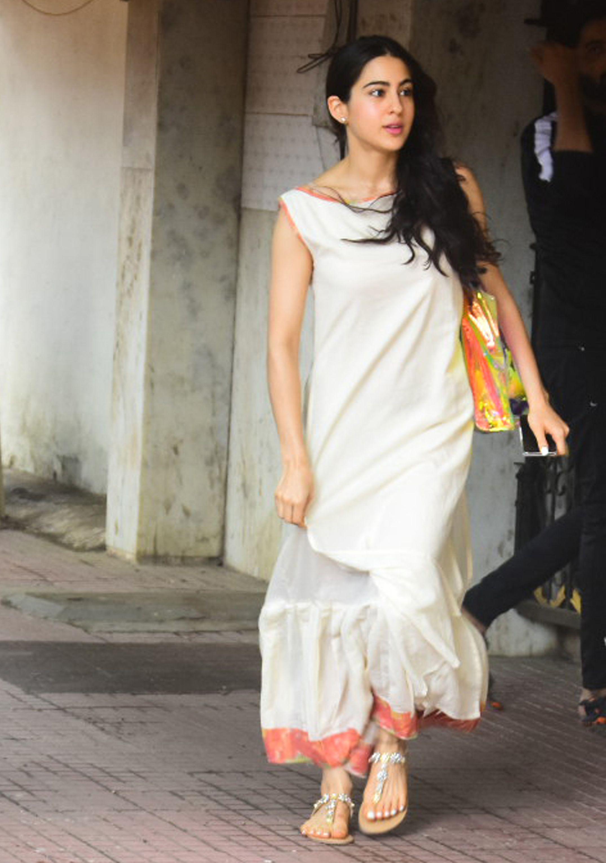 Sara Ali Khan And Ananya Pandey Go Out Looking Mesmerising