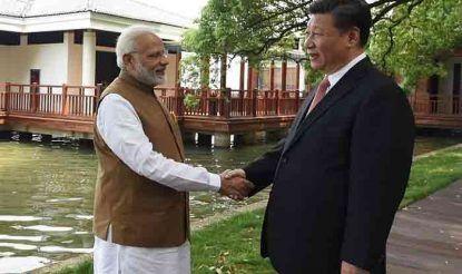 इसी साल अप्रैल में भारत और चीन के बीच दि्वपक्षीय संबंधों को लेकर पीएम नरेंद्र मोदी और चीन के राष्ट्रपति शी जिनपिंग के बीच वार्ता हुई थी. (फोटो साभारः नरेंद्रमोदी.इन)