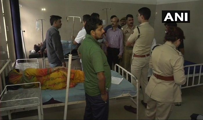 Jammu And Kashmir: 13 Amarnath Pilgrims Injured as Mini Bus Rams into Parked Truck