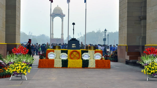 Indian army day do you know whose rifle stands on the amar jawan photograph shutterstock thecheapjerseys Images