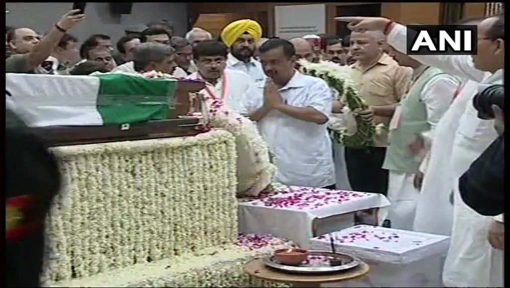 Delhi Chief Minister Arvind Kejriwal, Deputy CM Manish Sisodia and AAP MP Sanjay Singh pay last respects to Vajpayee.