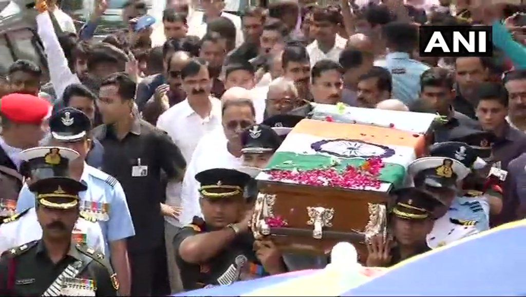 Mortal remains of Atal Bihari Vajpayee is taken from BJP Headquarters to Smriti Sthal for the funeral.