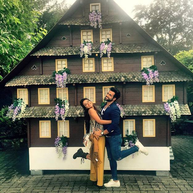 So cute photos of Asha Negi and her boy in Switzerland! | News ...