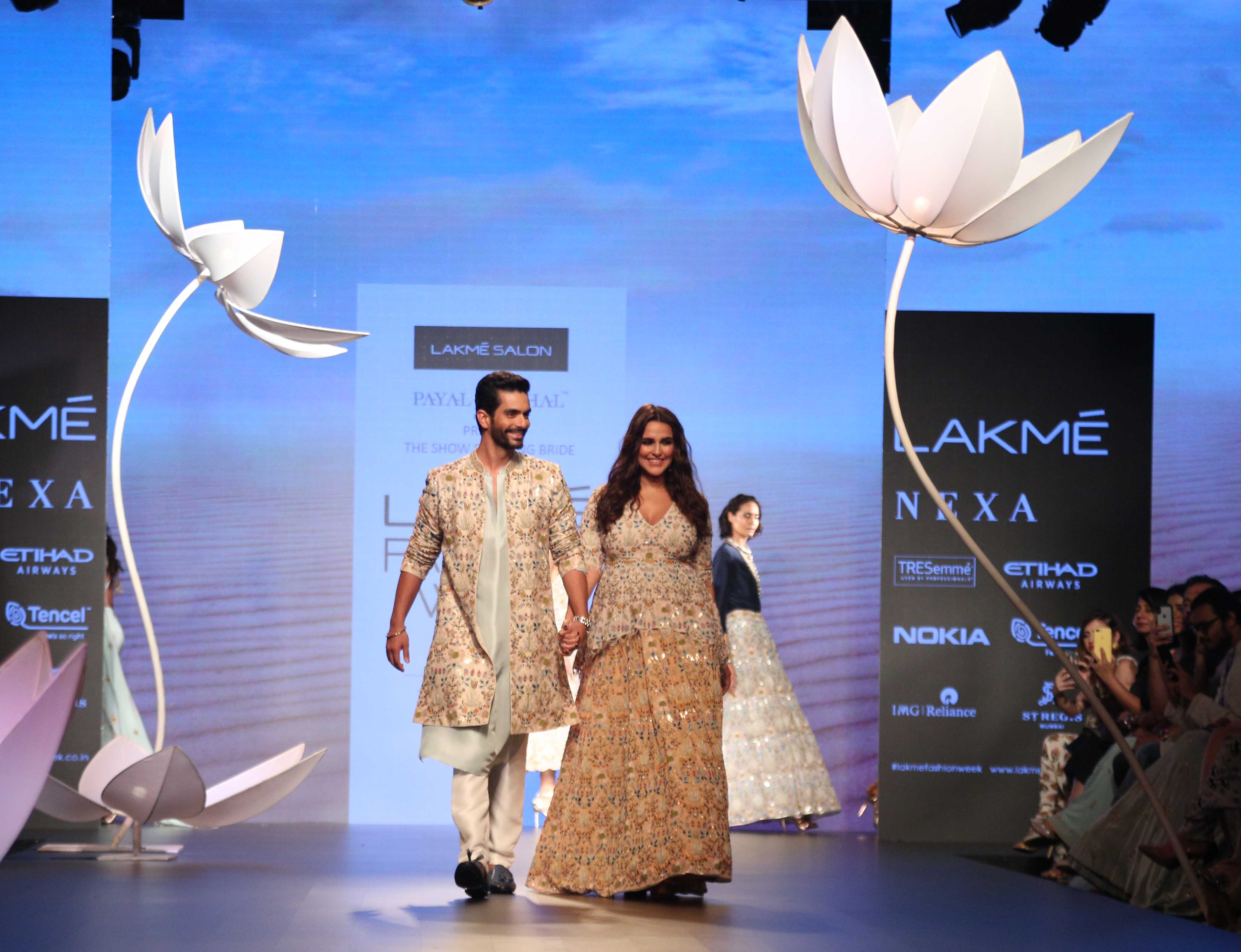 lfw 2018 DAY 4 SHOW 4 LAKME SALON AND PAYAL SINGHAL PRESENT THE SHOW STOPPING BRIDE (31)