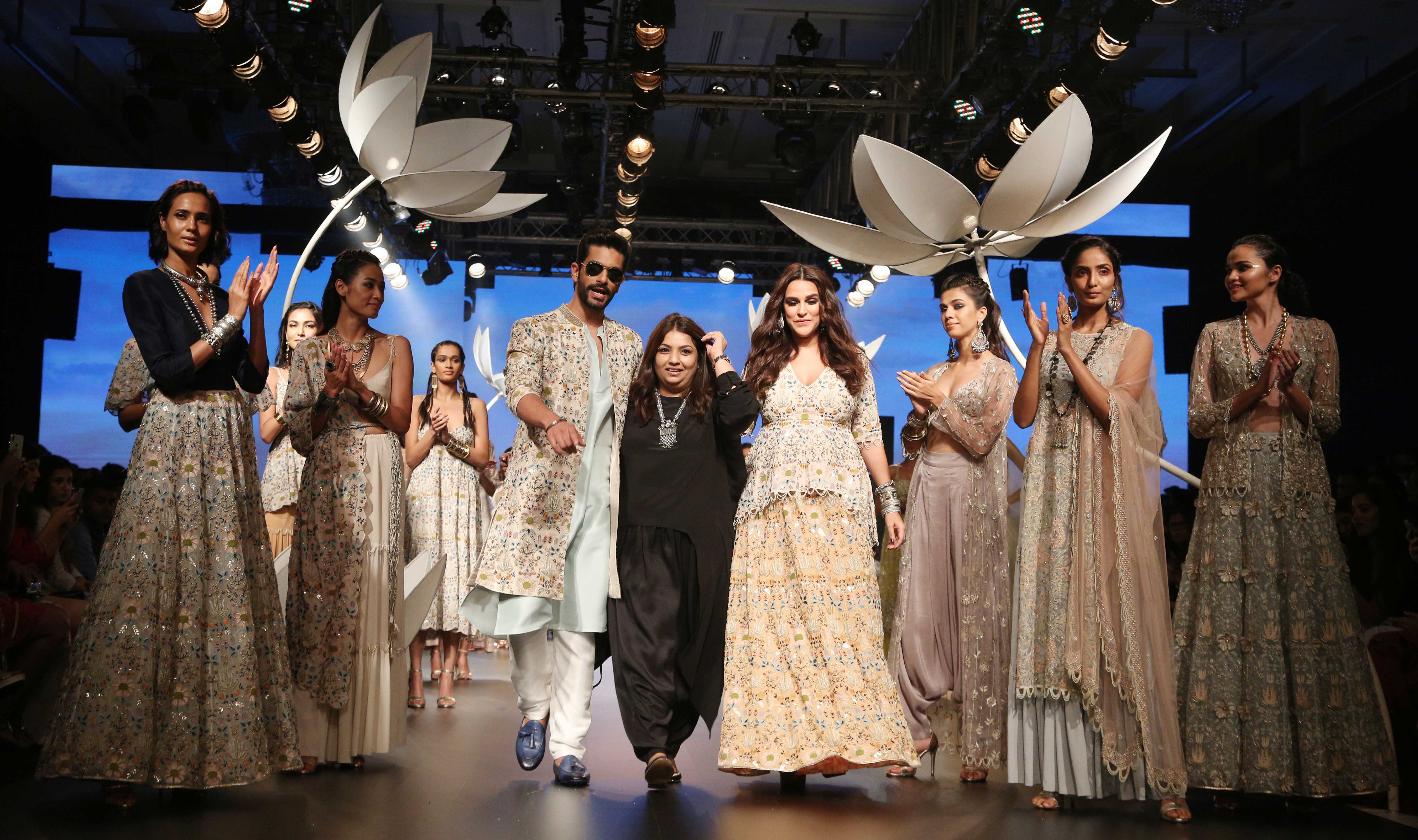 lfw 2018 DAY 4 SHOW 4 LAKME SALON AND PAYAL SINGHAL PRESENT THE SHOW STOPPING BRIDE (58)