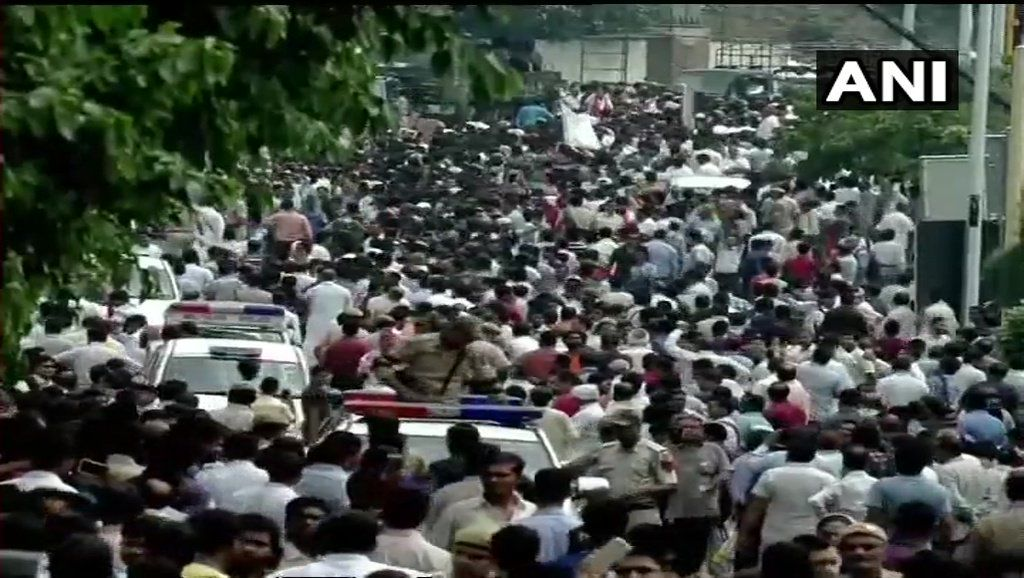 People gathered during the funeral procession of Atal Bihari Vajpayee.