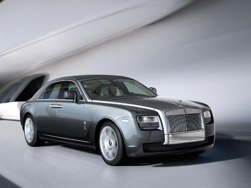 Rolls Royce Opens Dealership In Hyderabad News Cars News India Com
