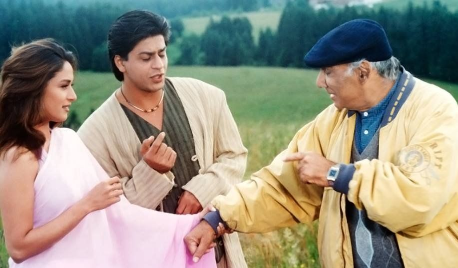 Shah Rukh Khan, Madhuri Dixit and Yash Chopra on the sets of Dil Toh Pagal Hai