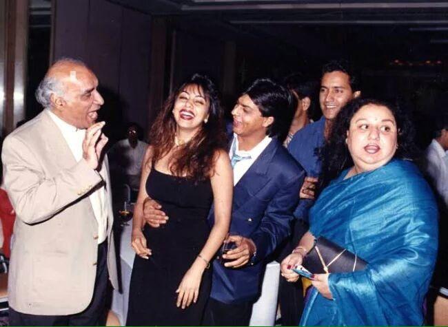 Shah Rukh Khan with Gauri Khan, Yash Chopra and a few others