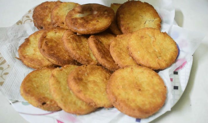 Karva Chauth desserts main mithi puri