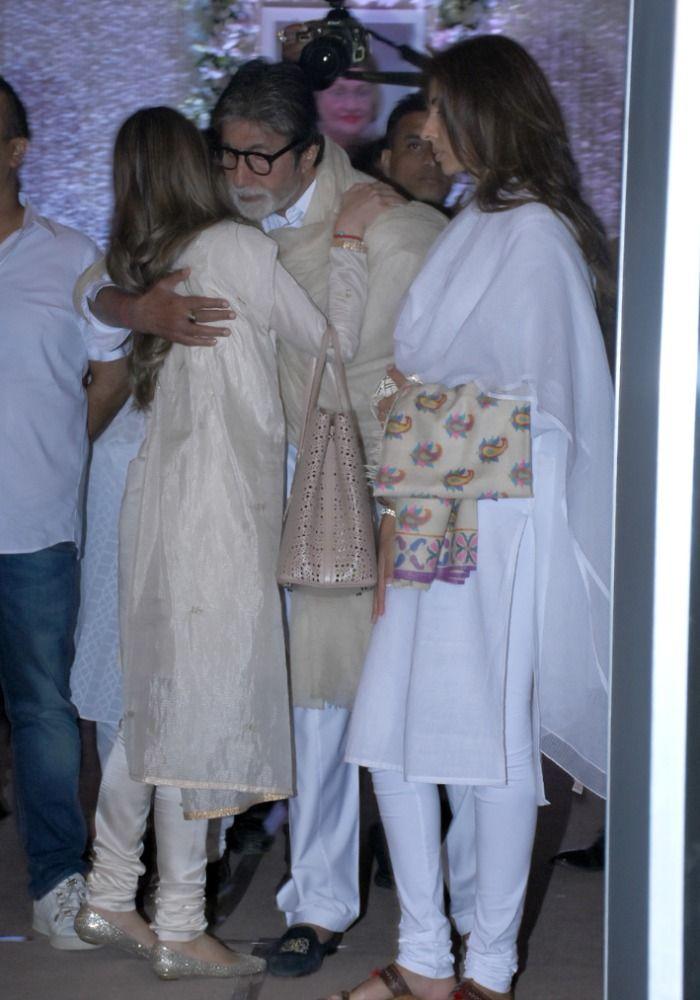 Krishna Raj Kapoor Prayer Meet, Picture Courtesy- Yogen Shah